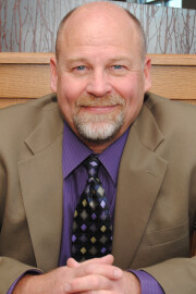 larry lindquist directory photo