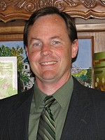 Doug Holm headshot
